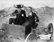 Western Movies - La veuve et le tueur (The Hired Gun) 1957 - Documents et Affiches